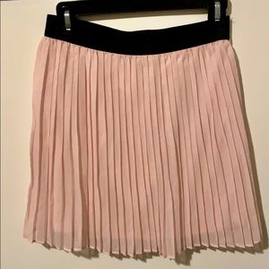 PRETTY PLEATED PINK SKIRT 💝